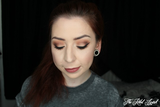 Too Faced Born This Way Foundation Full Face