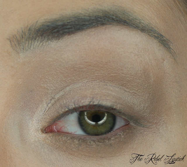 essence-contouring-eye-pencil-swatch