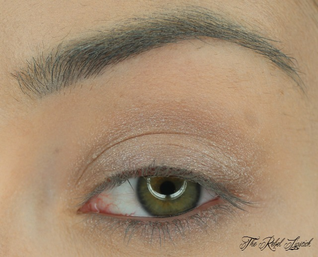 essence-the-metals-eyeshadow-swatch