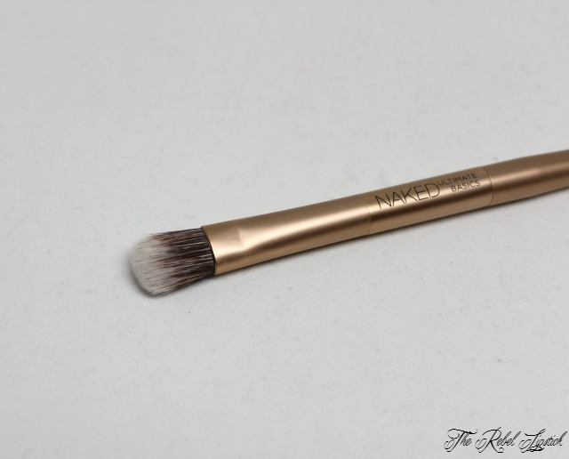 urban-decay-naked-ultimate-basics-palette-brush-fluffy