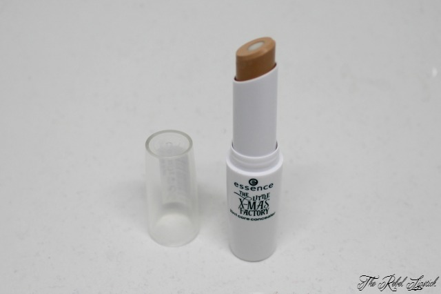 essence-the-little-x-mas-factory-2in1-core-concealer-inside