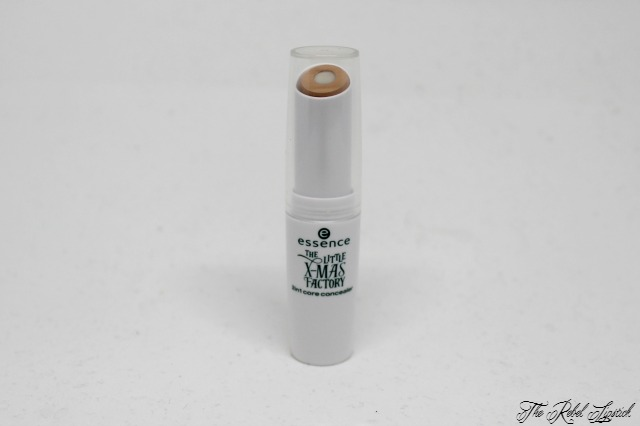 essence-the-little-x-mas-factory-2in1-core-concealer