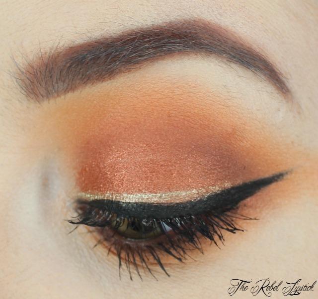essence-the-little-x-mas-factory-liquid-gold-eyeliner-eye