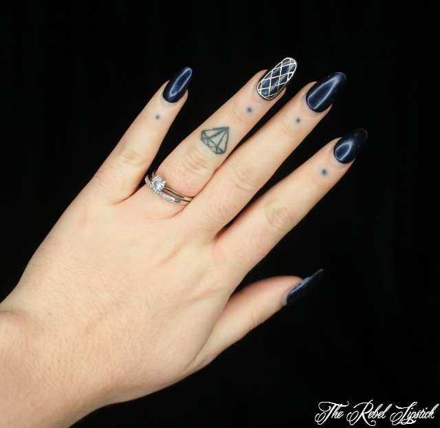 essence-the-little-x-mas-factory-nail-jewelry-sticker-nails