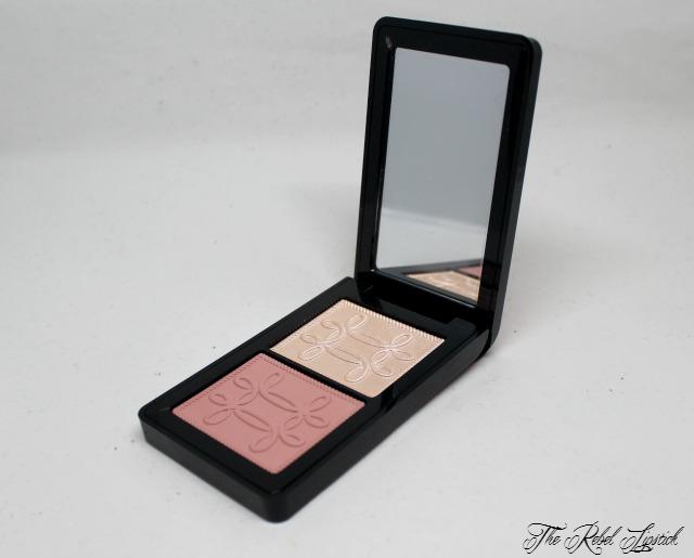 mac-nutcracker-sweet-peach-face-compact-inside