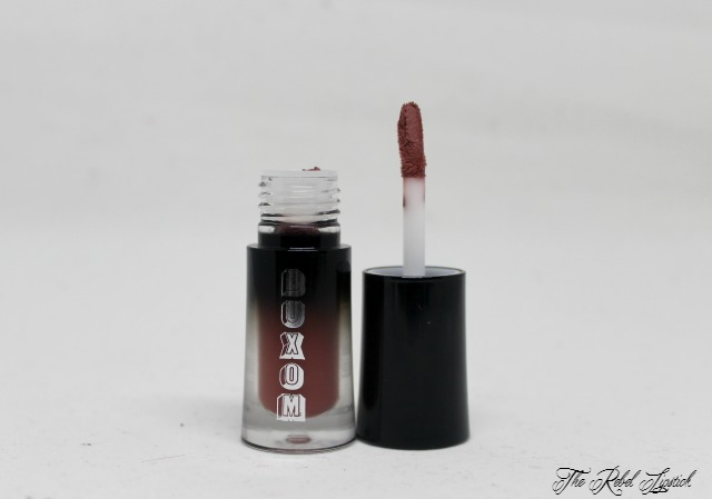 buxom-sexy-little-habits-collection-wildly-whipped-lightweight-liquid-lipstick-instigator-wand