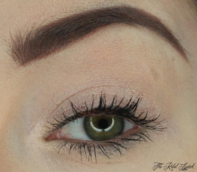 essence-we-are-amazing-creamy-eyeshadow-pen-eye