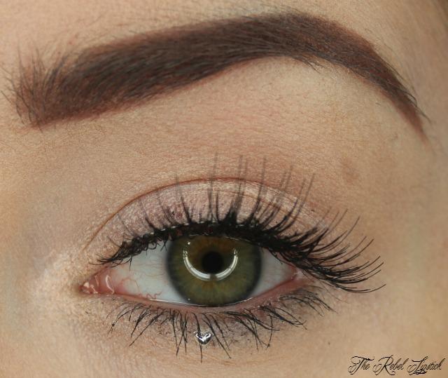 essence-we-are-crazy-false-lashes-3d-rhinestones-set-eye