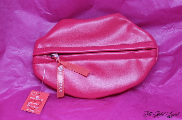 essence-we-are-funny-lip-bag