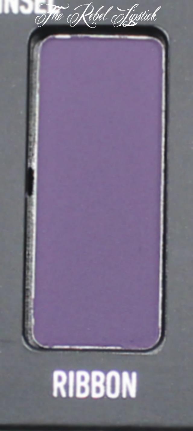 kat-von-d-metal-matte-palette-ribbon