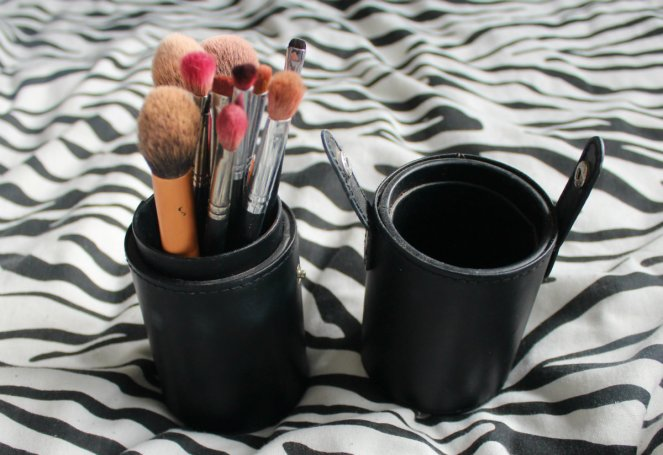 What Is In My Hospital Bag Pre Labour and Ward Makeup Brushes