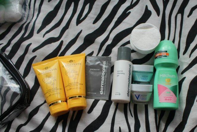 What Is In My Hospital Bag Pre Labour and Ward Toiletries