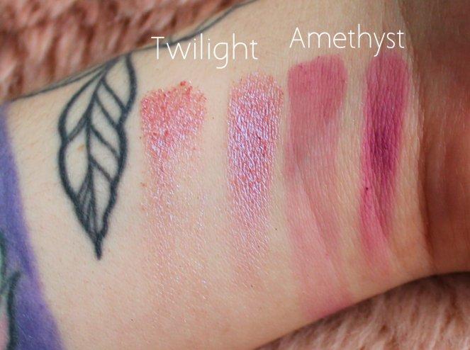 Huda Beauty Desert Dusk Eyeshadow Palette 5 Twilight Amethyst Swatch