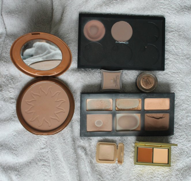 Bronzer Keeping Inside